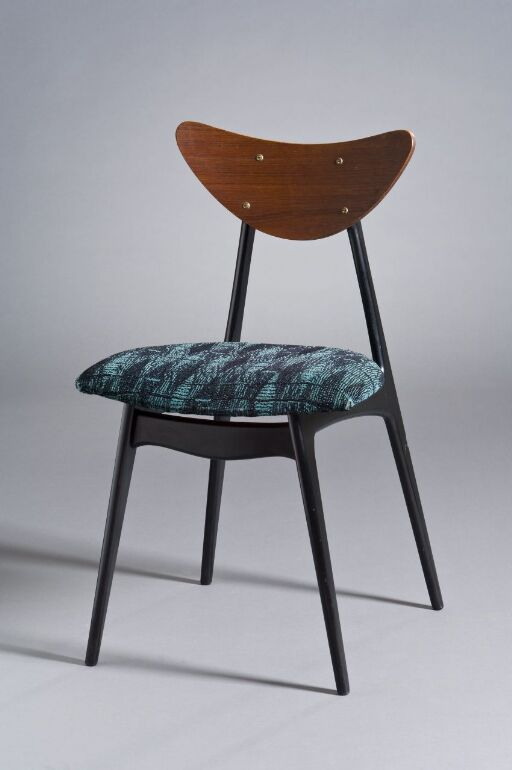 Kay / 7002 Stacking chair