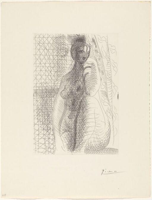 Naken kvinne med bøyet ben
