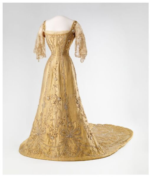 Dronning Mauds kroningskjole