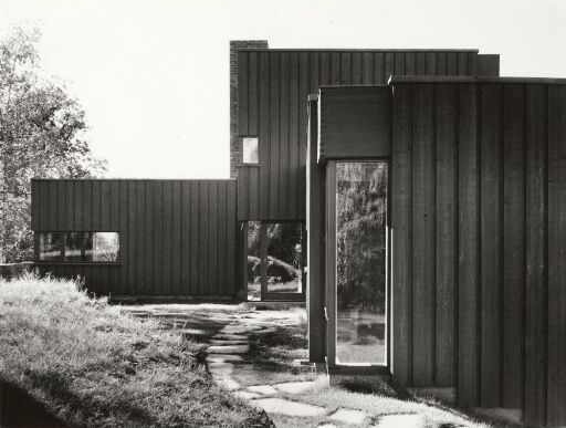 Family home for dean Lystrup