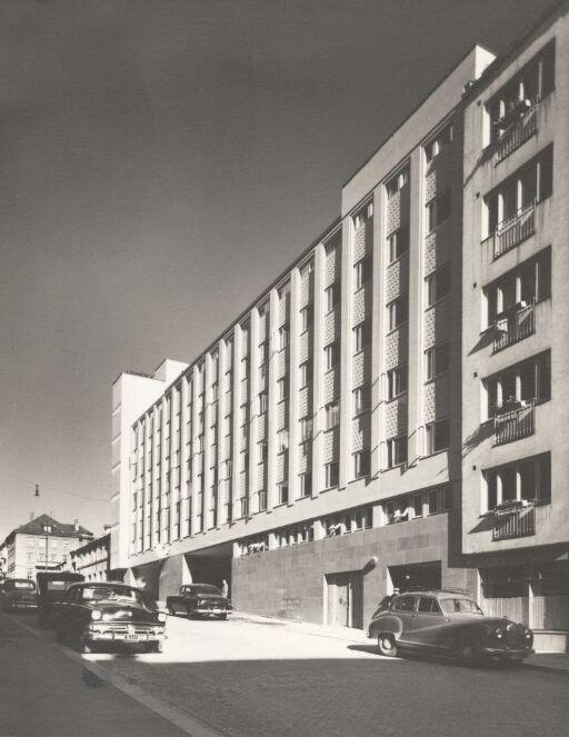 Kontor- og garasjehus