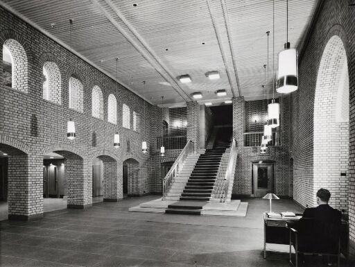 Trappehallen i Stortingsbygningen