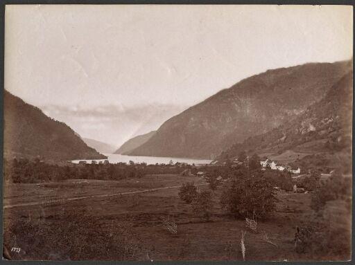 Parti fra Eide med Udsigt utover Fjorden, Hardanger