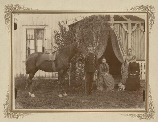 Nicolay August Müller med hest