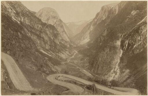 Naerodal Pass