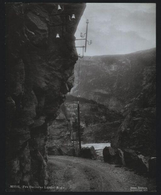 Fra Gallerne, Lärdal, Sogn