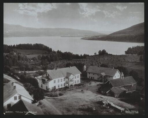 Odnäs Hotel, Land