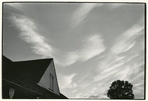 Hustak og himmel