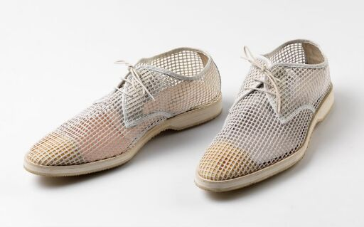 S/S 03 Homme Collection men. Micro sole mesh 3 eyelet derby.